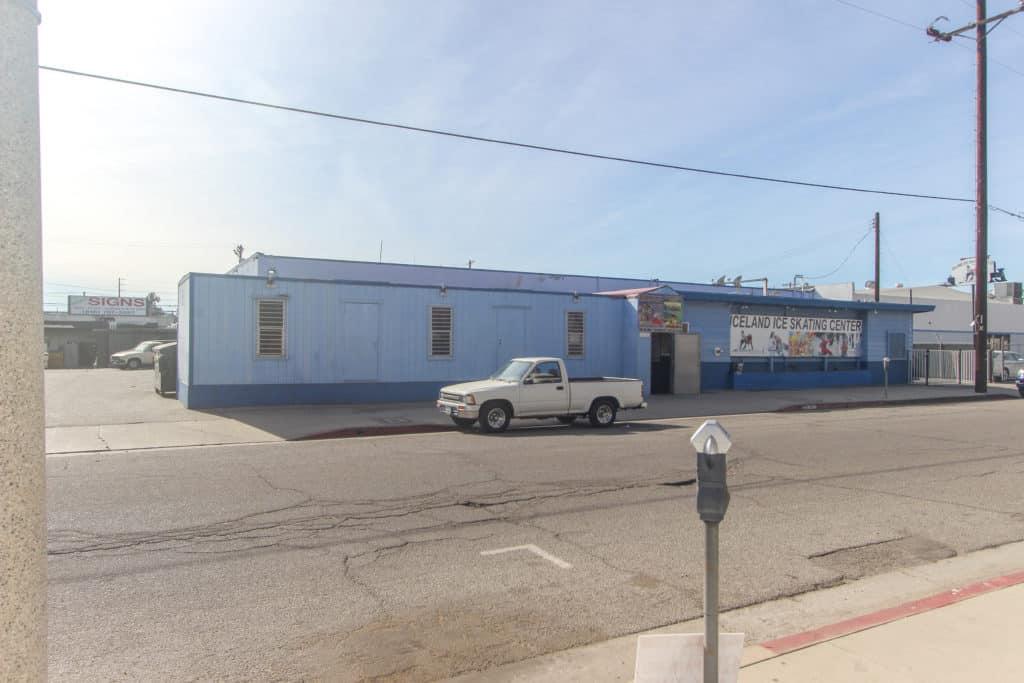14318 Calvert St Industrial Building