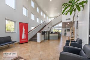 28455-livingston-ave-lobby